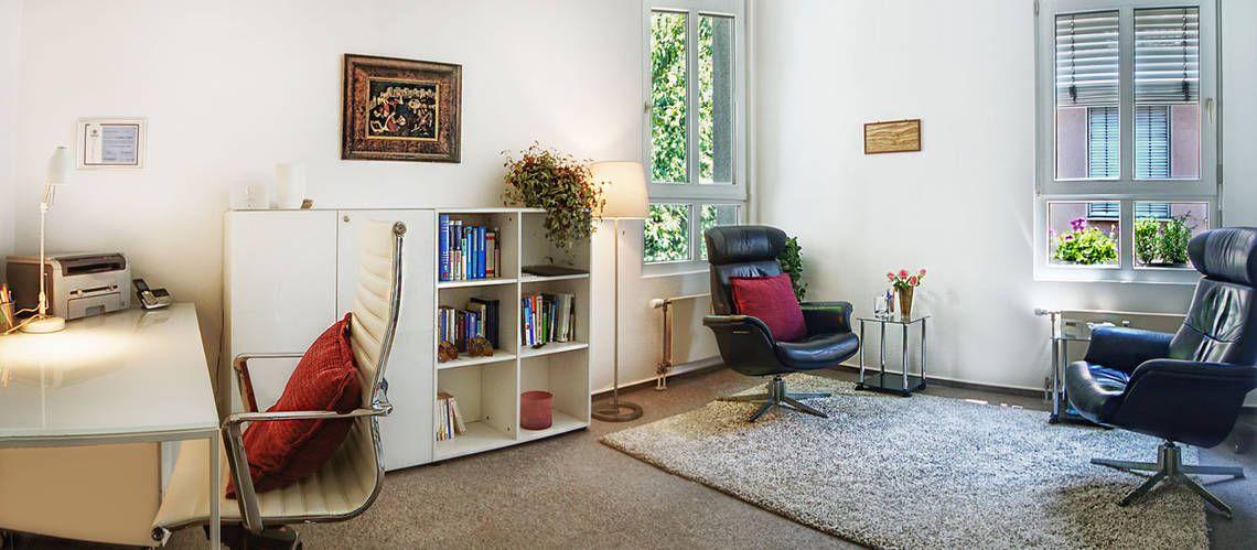 merkurhaus bad homburg b ror ume. Black Bedroom Furniture Sets. Home Design Ideas